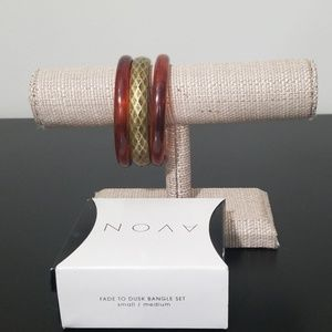 *AVON* bangle set